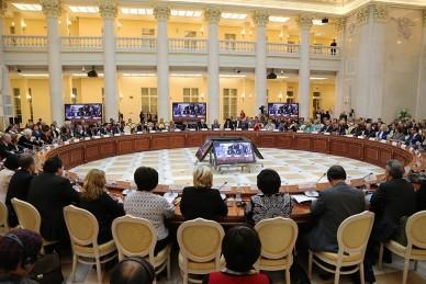 Более 300 иностранных специалистов приняли участие в Петербургском образовательном форуме