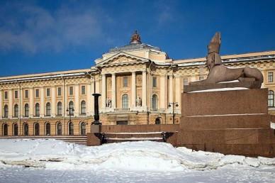 Три московских и два петербургских вуза получили право создавать собственные стандарты