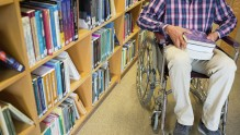 «Горячая линия» по приему в вузы инвалидов будет работать до начала учебного года