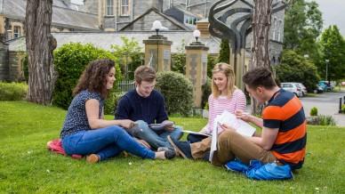 Насколько привлекательны программы бесплатного обучения в колледжах США