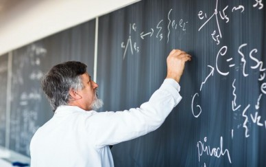 Срочные и бессрочные договоры с преподавателями: к чему все-таки стоит стремиться