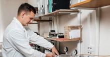 Как постдок-программы помогают молодым ученым начать карьеру, а ведущим российским вузам — развиваться
