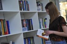 Постановление правительства: посетителей библиотек могут попросить подтвердить свой возраст